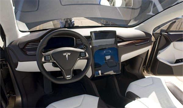 автомобиль Тесла М