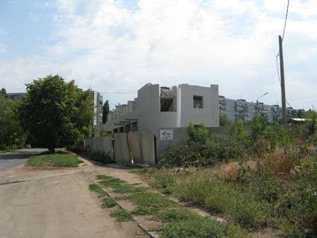 """Строящееся здание """"спортивный комплекс"""" Балаково"""