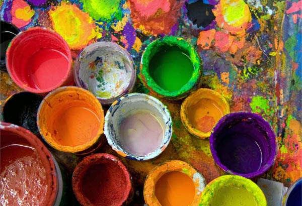 набор красок для ремонта дома