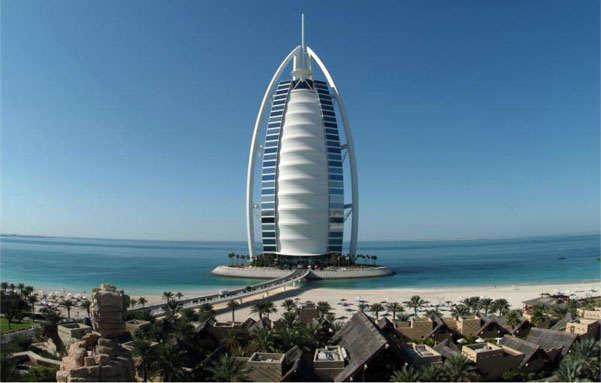 строительная башня в ОАЭ